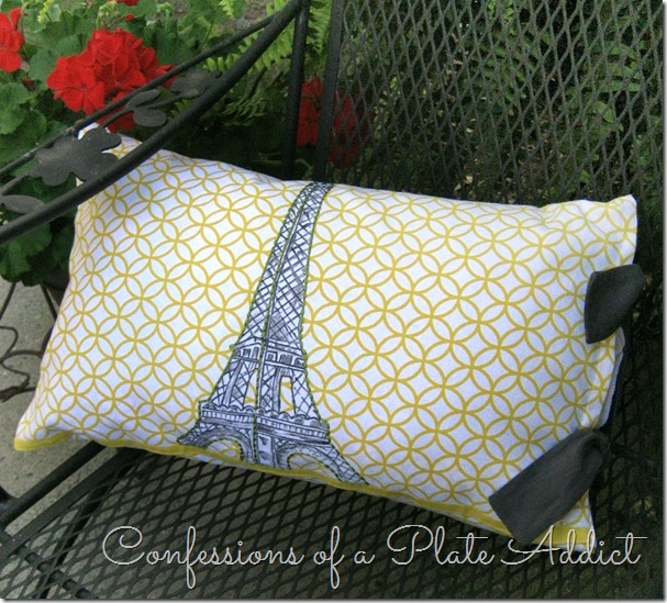 CONFESSIONS OF A PLATE ADDICT Easy Pillow Cover from a Tea Towel