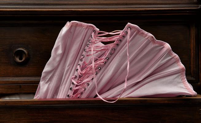 Pink corset di Diana Cimino Cocco