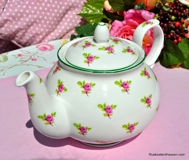 W.G.Wood Ditsy Roses 1.5 Pint China Teapot