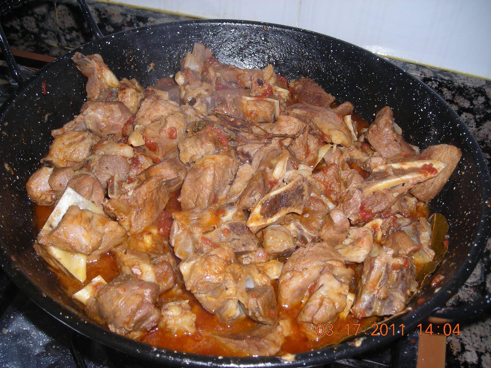 La gastroteca caldereta de cordero manchego for Cocinar cabeza de cordero