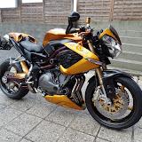 """benelli café racer 1130cm3 2006 état proche du neuf 23000km 3cylindres nombreuses options 6500e moto en dépot sans garantie  """"le texte ne correspond plus a l'annonce site en construction"""