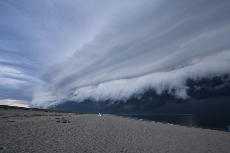shelf-cloud-1