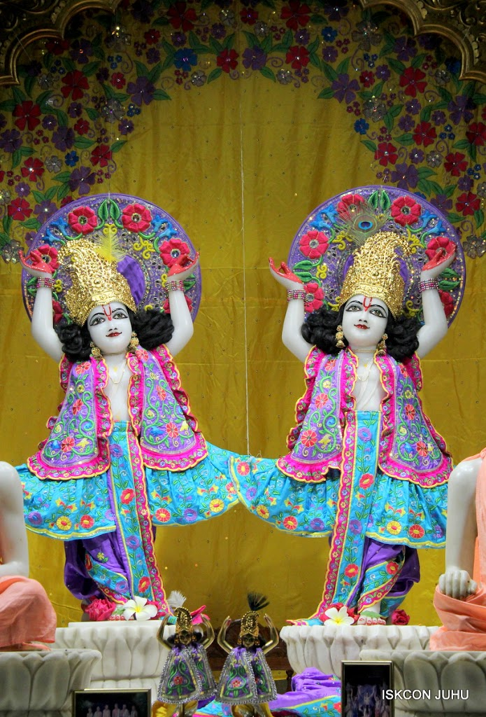ISKCON Juhu Mangal Deity Darshan on 24th Sep 2016 (30)
