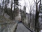 Στο βάθος το Dracula Castle στο Bran της Ρουμανίας