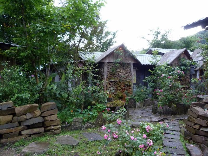 23,une exceptionnelle Guest house entièrement construite de leurs mains par le couple de propriétaires adorables