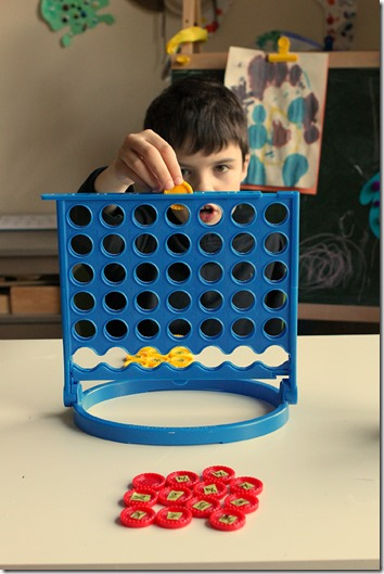Connect 4 Fraction Game - What a fun math games for kids from 2nd-6th grade to work on factions.