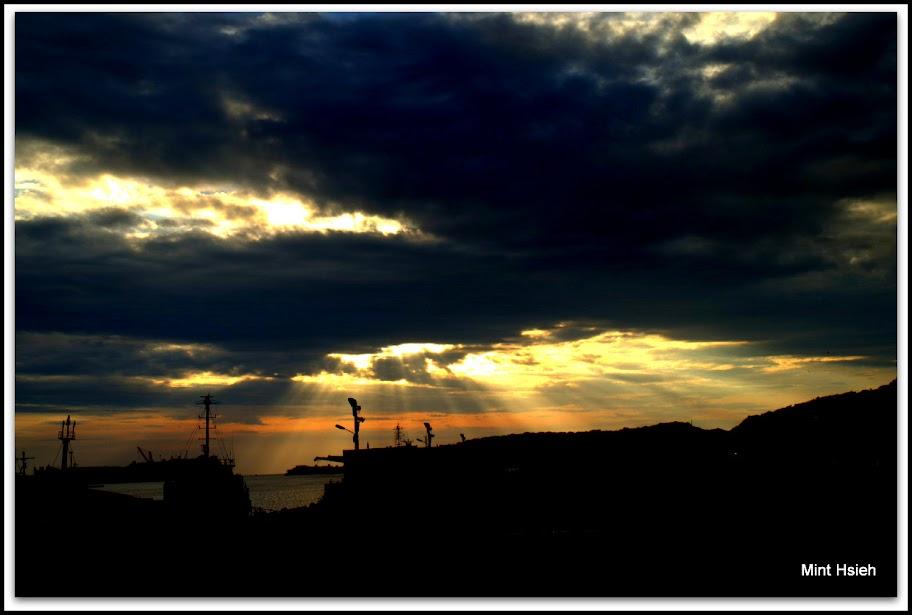 濃雲下˙夕陽@新灣區碼頭  (圖13枚)
