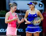 Belinda Bencic & Simona Halep - Porsche Tennis Grand Prix -DSC_3785.jpg