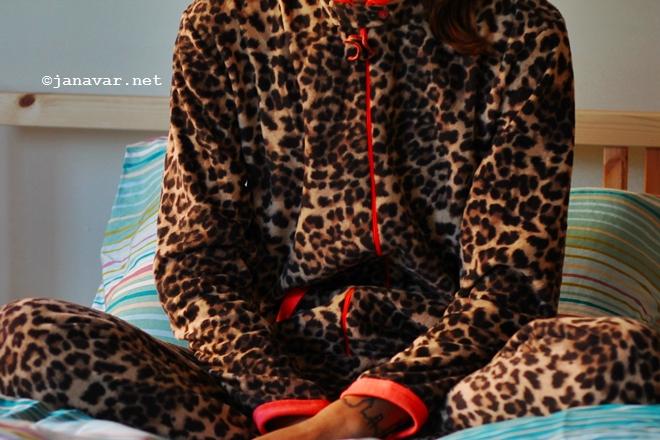Outfit: Hear me roar, Primark onesie