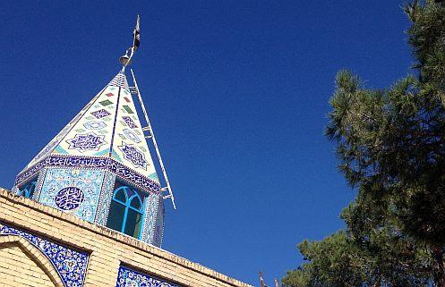 Kleines Heiligtum am Stadtrand von Pir Bakran