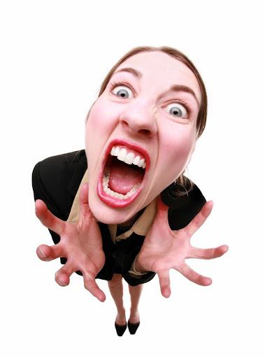 mujer gritando por Impotencia, rabia, frustración