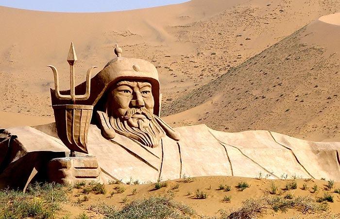 Mausoleum-of-Genghis