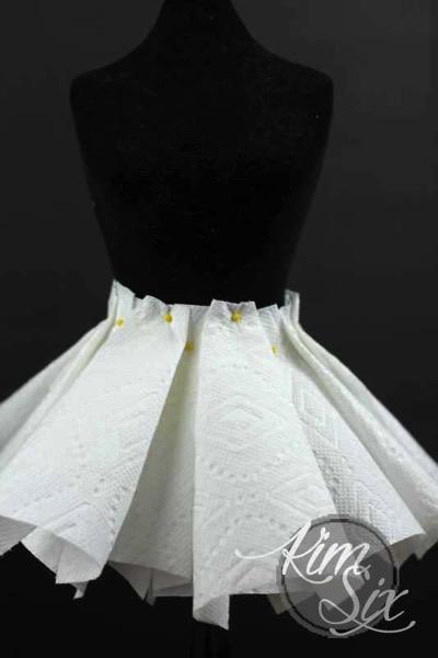 Paper towel skirt