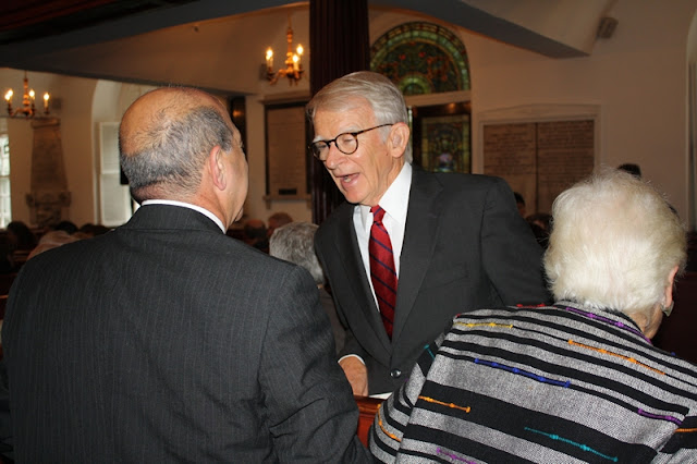 Charleston Mayor Joe Riley says hello to Peter Shahid, CCBA Secretary/Treasurer.