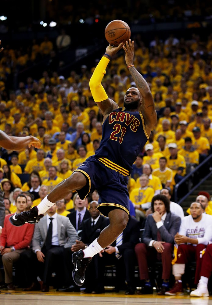 Series Tied 1-1 After LeBron's Triple-Double in Game 2 of ...