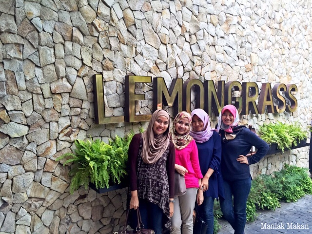 maniak-makan-lemongrass-cafe-hits-bogor-me-and-bff