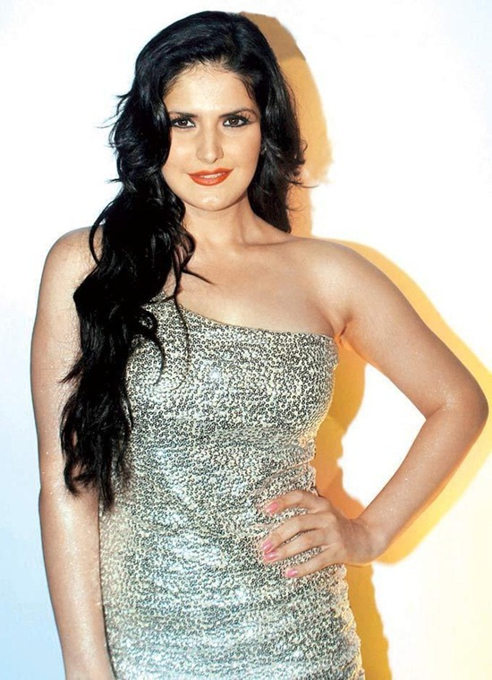 zarine khan (54)