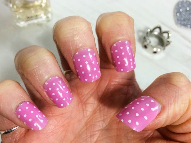 midweek-manicure-beauty-blog-fashion-false-nails-nail-art-finishing-touches-royal-baby-princess-charlotte-elizabeth-diana-polka-dot-nails-pink-nails