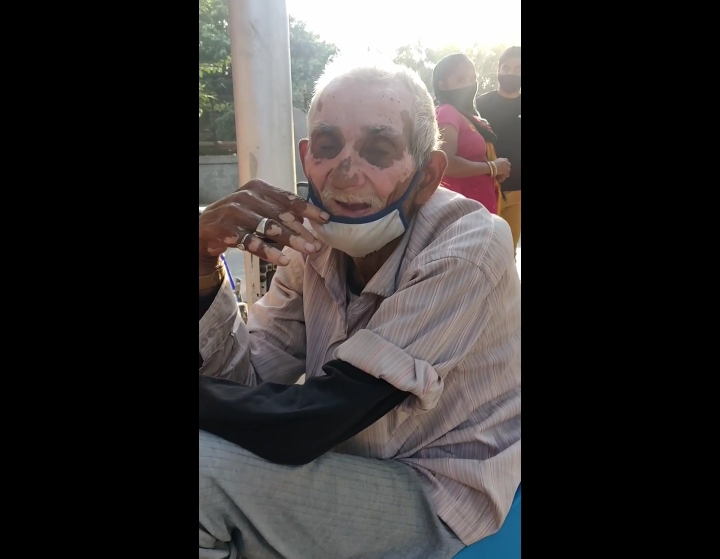 dwarka wale baba street food This Old Man Will Bring Tears to Your Eyes