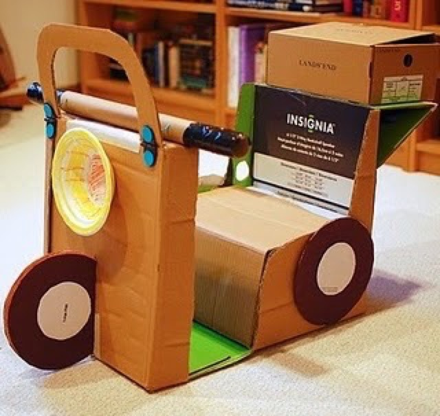 Reciclando e fazendo brinquedos - arte de ser criança