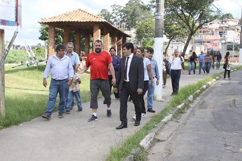 Autoridades se reúnem com moradores do Santa Clara