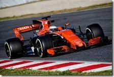 Fernando Alonso con la McLaren MCL32