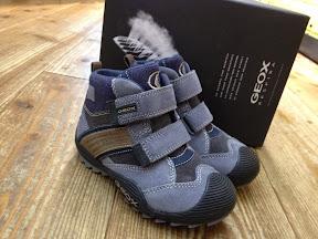 靴の入荷情報(GEOX)