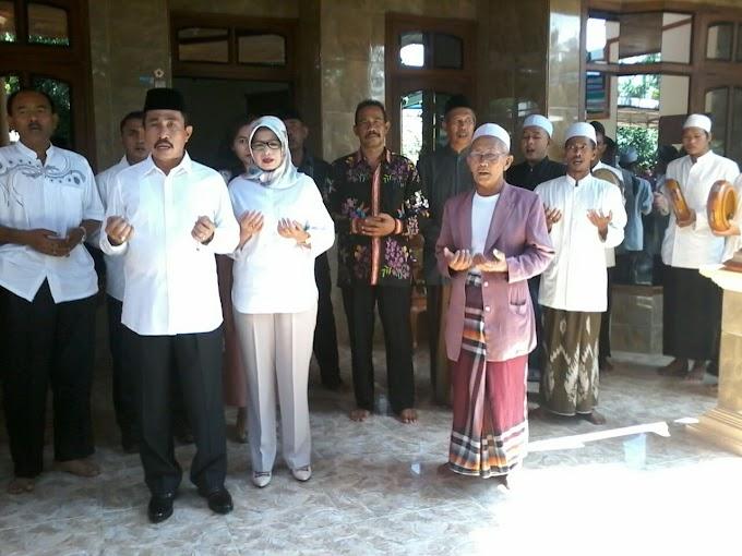 H. Haryanto Doa Bersama Keluarga