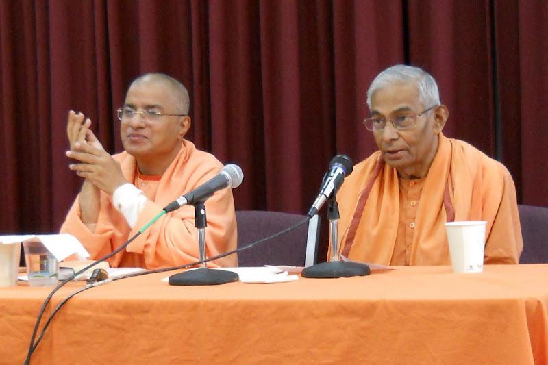 Swamis Paritushtananda and Brahmarupananda