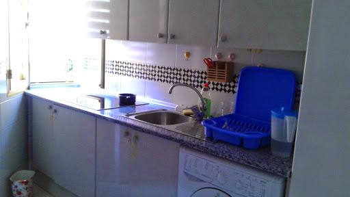 Piso en alquiler con 70 m2, 2 dormitorios  en Nervión - San Pablo (Sev