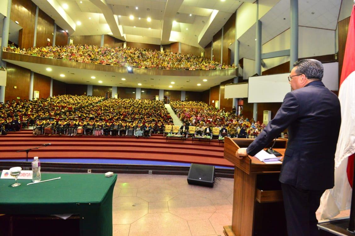 Gubernur Sulsel Hadiri Acara Wisuda Politeknik Negeri Ujung Pandang, Ini Pesan Nurdin Abdullah
