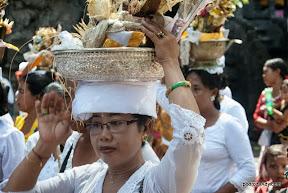 Procesja w świątyni Goa Lavah