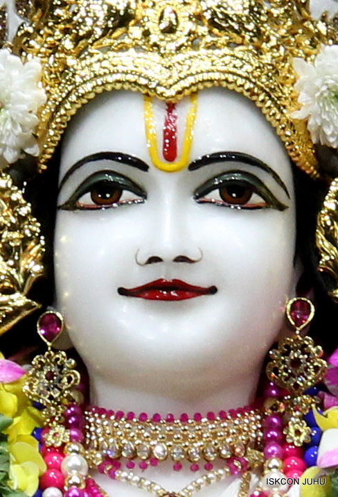 ISKCON Juhu Sringar Deity Darshan on 25th August 2016 (35)