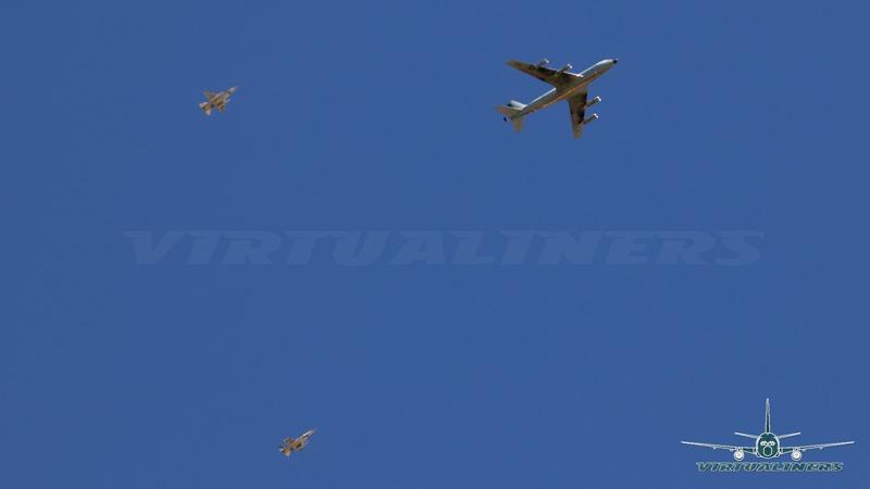 [KC-135_982_F-16-03%5B3%5D]