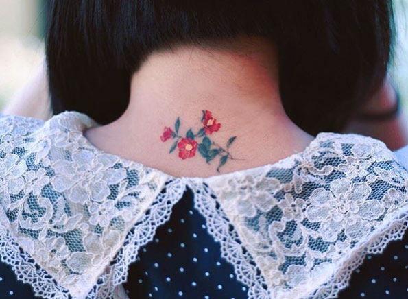 este_back-pescoço_floral_peça