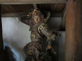 0028Ngo_Quyen_Temple