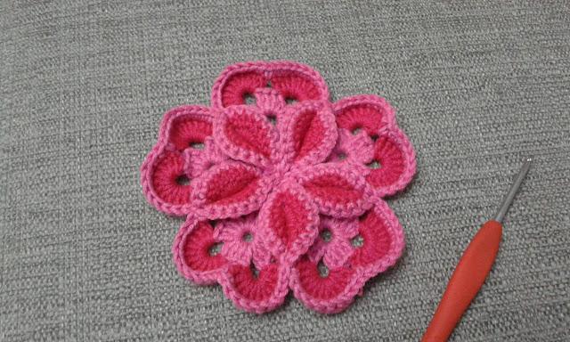 flor 3D ganchillo
