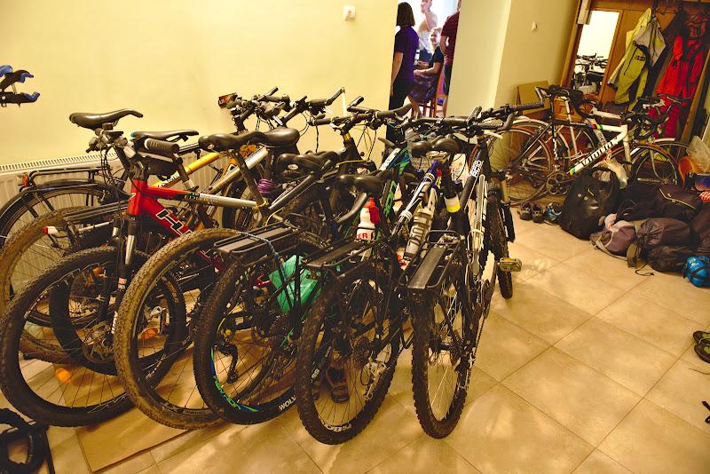 Nu-i deloc rau sa ai loc de atatea biciclete in holul de la intrare.