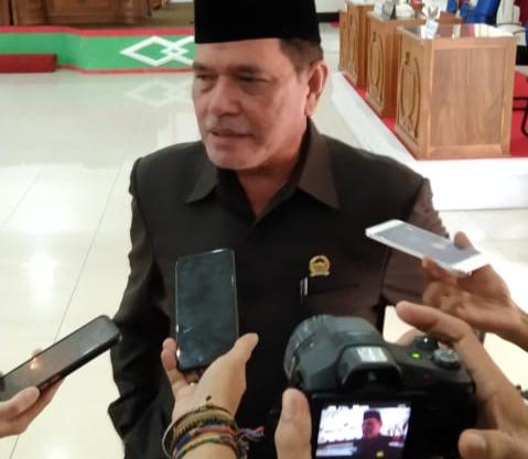 Wakil Ketua l DPRD Barsel Pimpin Rapat Paripurna 5