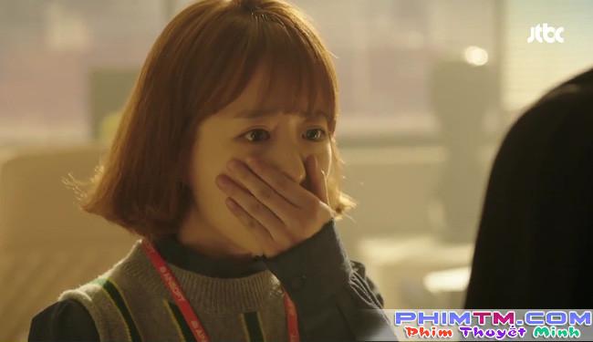 Park Hyung Sik tóe máu vì cứu Park Bo Young mà không biết vừa bị troll? - Ảnh 1.