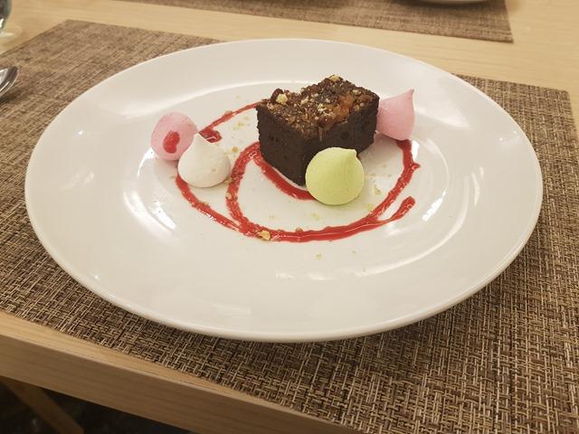 Hilton Garden Inn Puchong Brownies