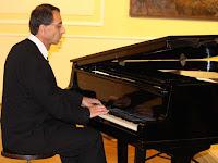 18 Zongorán Tarics Péter kísérte..jpg