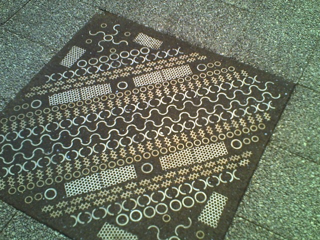 床の不思議な模様