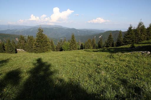 Na východ od Koniarok, vzadu Nízke Tatry