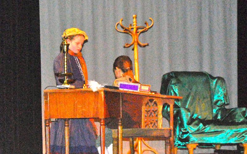 2009 Scrooge  12/12/09 - DSC_3381.jpg
