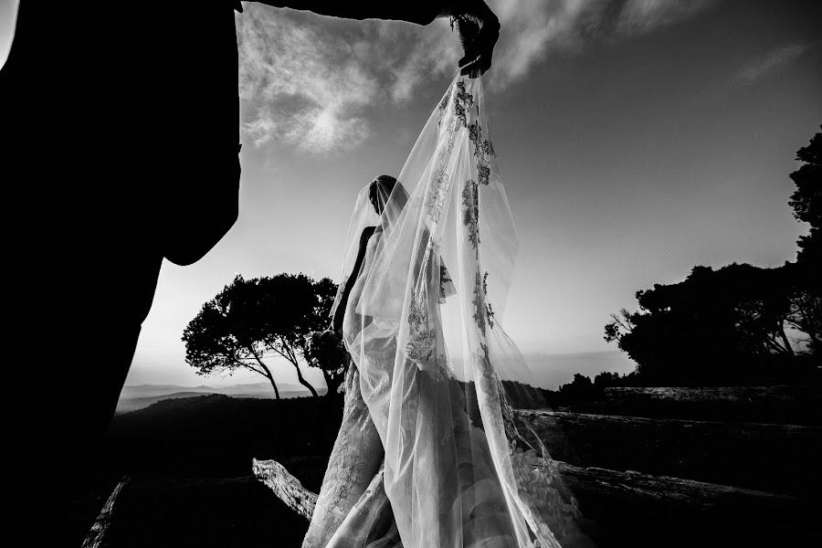 Wedding photographer Vasiliy Tikhomirov (BoraBora). Photo of 08.02.2019