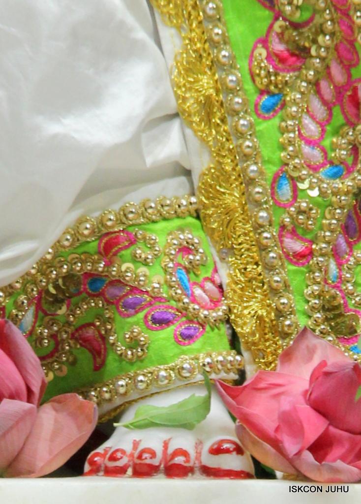 ISKCON Juhu Mangal Deity Darshan on 1st Jan 2016 (6)