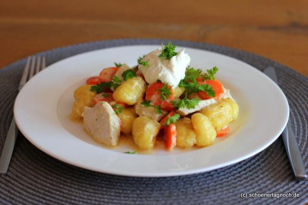 Hähnchen-Gnocchi-Pfanne mit Karotten