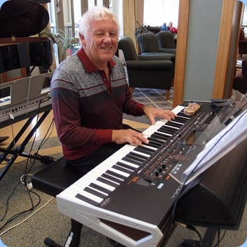 Rod Moffat playing is 76 key Korg Pa4X.