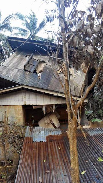 Rumah atas rumah akibat banjir